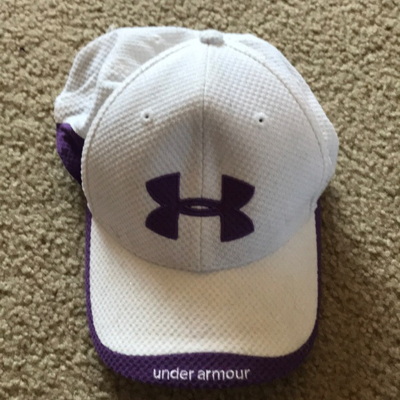 1aa3d980 White and purple underarmour hat